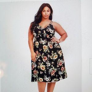 Torrid size 1 Floral Midi Dress  NWOT Super Cute